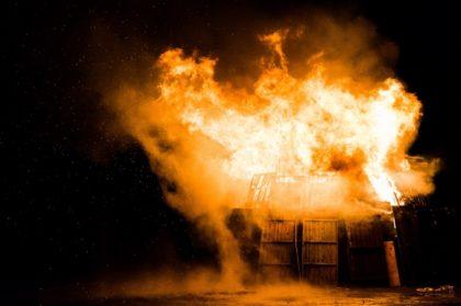 La maison brûle – avec ses habitants