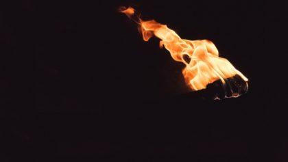 Faut-il brûler le pape ?